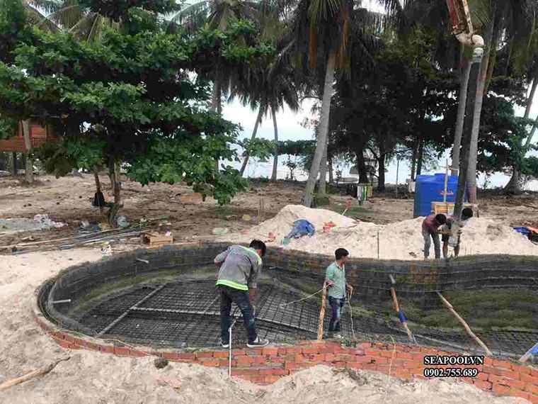 Lắp đặt Cốp Pha Bể Bơi Chuẩn Bị đổ Bê Tông