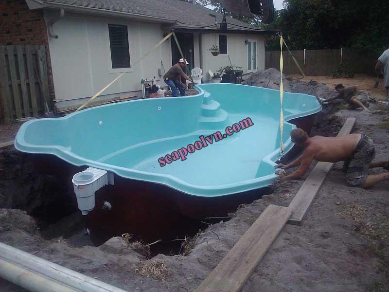 Lắp đặt hồ bơi composite đúc sàn