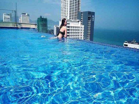 Thiết Kế Bể Bơi Chân Mây