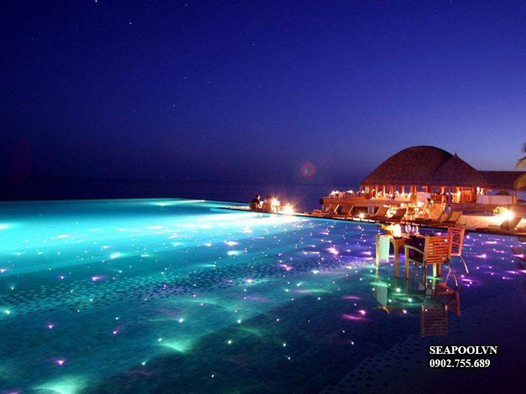 Thiết Kế Hồ Bơi Tràn Bờ Gần Biển Lung Linh Sách Màu