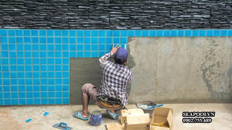Gach Mosaic Op Thanh Be Boi