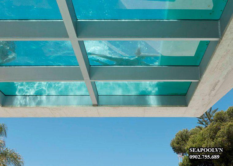 Bể Bơi Kính Trên Cao