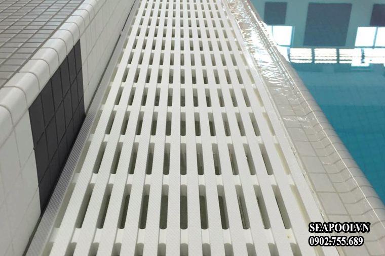 Thanh Thoát Tràn Bể Bơi đặc điểm