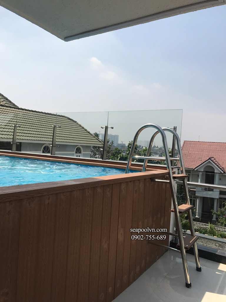 Kế hoạch xây bể bơi composite với ốp gạch giả gỗ trên sân thượng