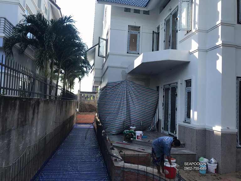 Thi công bể bơi mini phụ thuộc vào kích thước hình dáng diện tích ngôi nhà